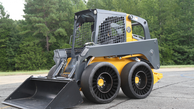 MICHELIN X TWEEL SSL Hard Surface on skid steer